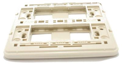 Mat-dung-cho-4-thiet-bi-WEG6804W-Panasonic
