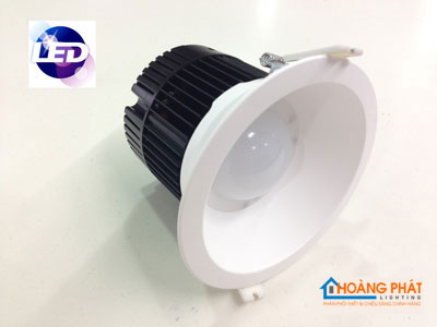 đ 232 N Led Downlight Philips Dn052b